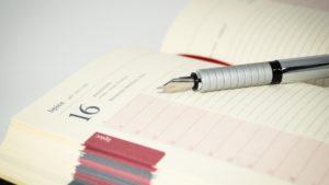 スケジュール帳と万年筆