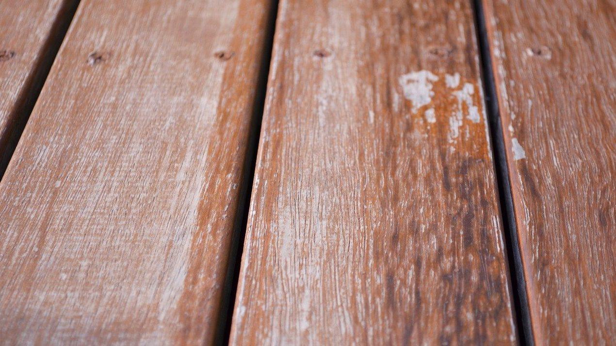 ウッドデッキの床