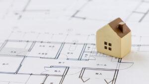 間取り図と家の模型
